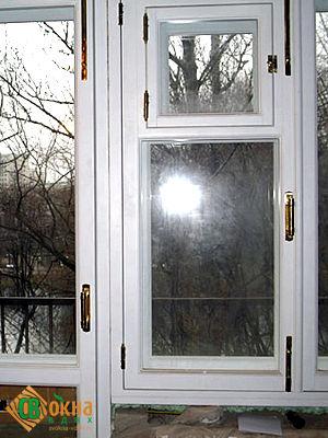 Двухрядное реставрационное окно из дерева