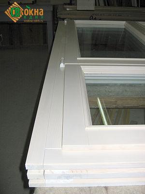Реставрационное окно со штапиком-калевкой и доборным брусом